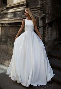 Simple wedding dress. Brides think of finding the perfect wedding ceremony, however for this they require the perfect bridal gown, with the bridesmaid's dresses enhancing the brides dress. The following are a few suggestions on wedding dresses.