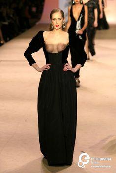 Yves Saint Laurent (Retrospective), Autumn-Winter 2002, Couture