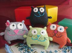 Amigurumi Free Patterns Beginners : Free amigurumi patterns ugly bunny pincushion and bag charm