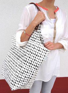 """Canvas Tasche """"Fine"""" - Dreiecke - weiß/schwarz von FRIDAsFRED auf DaWanda.com"""