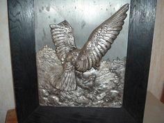 altes Reliefbild aus Metall Adler und Hase um 1900, signiert