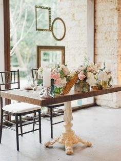 Unearthed vintage sweet heart table- Photography: Merari - merari.com