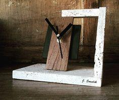 Reloj travertinos y madera de roble