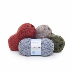 NOVITA DUO has the same blend, tension and recommended needle size as Novita 7 Veljestä (7 Brothers). As its name suggests, Duo is two-tonal with colours softy grading into each other. The final Duo patterns look as if a darker base colour has been sprayed on a lighter tone.