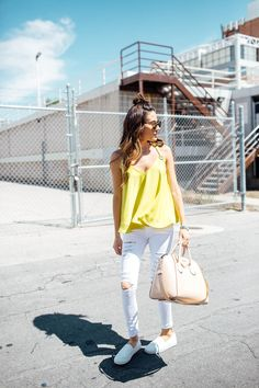 Hello Fashion | Yellow top+white distressed jeans+white slip-ons+nude handbag. Summer outfit 2016