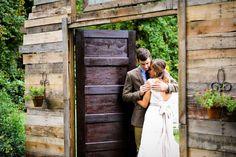 La boda rústica de Emily Hearn: ¡Rodeada de naturaleza!