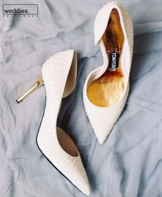 Super Ideas for wedding shoes gold flats heels Gold Flats, Gold Heels, Pumps Heels, Gold Wedding Shoes, Wedding Flats, Lace Wedding, City Hall Wedding, White Heels, Bride Shoes