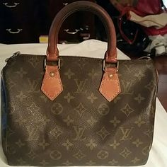 SALE Authentic LV speedy 25 Gentle used preloved Lv bag. Exteriors show signs of wear, handle is getting darker due to age but not bad,zipper is missing leather but work great.Overall the bag has many many more years left. Louis Vuitton Bags Satchels