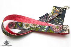 Farbenfrohes Stoff-Schlüsselband der #Lieblingsmanufaktur: rosa, pink und grau