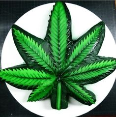 Marijuana Leaf Cake by Cakes From The Crypt