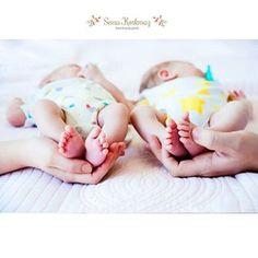 Çifte kavrulmuş lokum alır mıydınız? 💜❤ #semakorkmazphotography #dogumfotografcisi #ailefotografcisi #detail #detay #cute #pure #twins #twinbabies  #twinsister #ikizler #ikizlerlehayat #ikizler #lovely #goodwishes #internetanneleri #familyshoot #bebekfotografcisi #dogumhikayesi #birthistory #hamilefotografcisi #justbaby