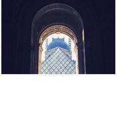 Quel Hôtel Hyatt vous aidera à vaincre le blues hivernal ? Louvre, Building, Buildings, Construction