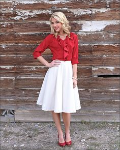 circle skirt and red top. Sweet winter outfit. Modest Dresses, Modest Outfits, Skirt Outfits, Modest Fashion, Cute Outfits, Modest Clothing, Work Fashion, Skirt Fashion, Fashion Outfits