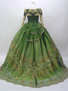 1860's ball gown, Victoria and Albert Museum