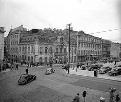 Rua da Palma, Rua Fernandes da Fonseca [1956] Defronte ao Teatro Apolo onde se vê o parque de automóveis existiu a Igreja do Socorr, demolida em 1949