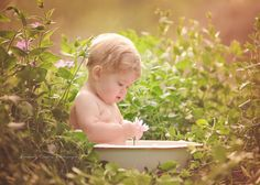 Outdoor Baby Photography, Pic Pose, Newborn Photographer, Little Ones, Poses, Figure Poses