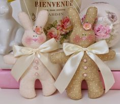 Conejitos.....(awww...these are cute tilda bunnies!)...