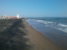 #Puglia #MargheritadiSavoia -Sole tropicale saline, fenicotteri rosa e sabbia nera