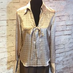 SZ 8/10 APOSTROPHE DRESSY BLOUSE Pretty career style classy blouse With a button front and tie at the v-neck. Gorgeous print Apostrophe Tops Blouses