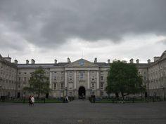 Trinity Dublin, Louvre, Kitty, Building, Travel, Little Kitty, Viajes, Kitty Cats, Buildings