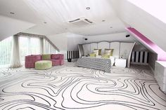 Unbelievable patterned carpet! Very modern