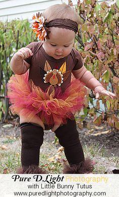 Lil' Turkey Ruffled Bunny Buns - So Cute for baby - Perfect for Fall Photos Hallowen Costume or Thanksgiving Little Doll, My Little Girl, Cute Kids, Cute Babies, Girls Thanksgiving Outfit, Thanksgiving Tutu, Hallowen Costume, Zeina, Scarlett