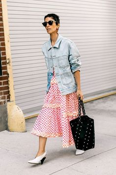 23 Jean Outfits That Will Still Be in Style in 20 Years | WhoWhatWear.com | Bloglovin'