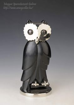 Art deco bagoyl - Debreceni Lámpagyár / Art deco owl from Debreceni Lámpagyár Made form wood and metal Wood And Metal, Garden Sculpture, Owl, Art Deco, Outdoor Decor, Home Decor, Decoration Home, Room Decor, Owls