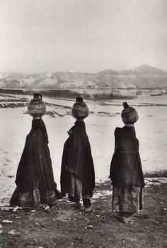 Marc Riboud, Vers l'orient;: Iran, Afghanistan, Pakistan. 1955-1956. Editions Xavier Barral, Paris, 2012. At the Bamiyan valley, Afghanistan, 1955.
