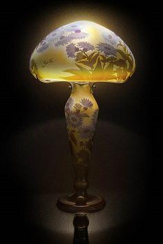daum nancy petite lampe champignon en verre multicouche. Black Bedroom Furniture Sets. Home Design Ideas