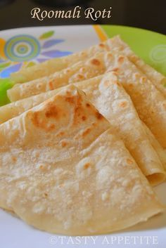 Tasty Appetite: Rumali Roti / Roomali Roti / Easy step by Step Indian Food Recipes, Vegetarian Recipes, Cooking Recipes, Chapati Recipes, Comida India, Tasty, Yummy Food, Indian Dishes, Indian Breads