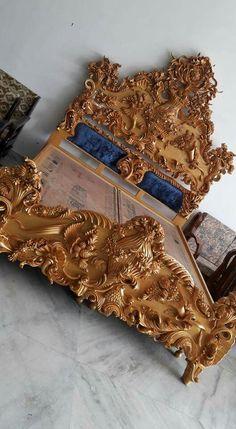 Wood Bed Design, Wooden Sofa Designs, Bed Headboard Design, Bedroom Bed Design, Wood Carving Designs, Wood Carving Art, Royal Furniture, Bed Furniture, Carved Beds
