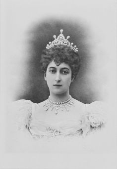 another very early image of Maud in the tiara