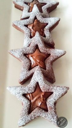 Çikolatalı Yıldız Kurabiye – Bir Dilim Lezzet Christmas Cookies Gift, Christmas Food Gifts, Chocolate Stars, Chocolate Cookies, Christmas Cake Designs, Star Cookies, Holiday Cookie Recipes, Cookie Gifts, Easy Gifts