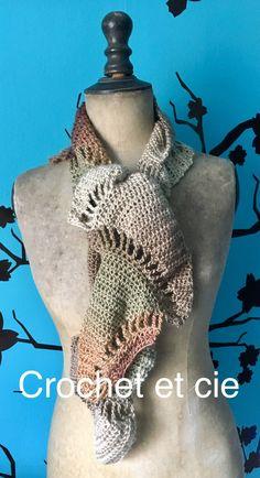 Écharpe douce pour femme - Un grand marché Crochet, Long Scarf, Woman, Chrochet, Crocheting, Ganchillo