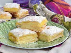 quadrotti golosi di sfoglia e crema, ricetta dolce facile da fare, perfetta per essere servita sia come merenda golosa che come dessert di fine pasto.