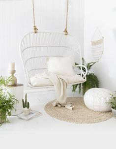 There is just something about the iconic hanging chair that evokes instant relaxation. And it was love of the classic chair design that prompted Leanne Dunnings to start Byron Bay Hanging Chairs in 2014. Photography: + Styling: Villa Styling  / Words: Jacqui Greig