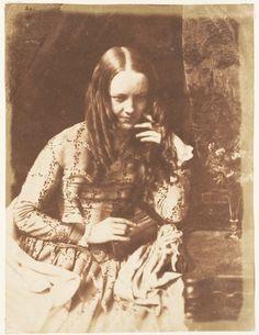 Miss Munro by David Octavius Hill, 1843-47    she looks like dakota fanning