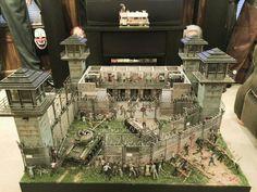 Scott Doland's Walking Dead prison diorama 6