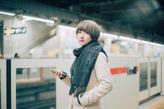 《 日常/電車のホーム》 photo: takutaki / model: アオイミヅキ #portrait