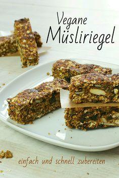 Auf meinem Blog findest Du ein einfaches Rezept für vegane Müsliriegel. Es geht sehr schnell, ist zuckerfrei und lässt sich einfach zubereiten. // Lisawegmann.de regularsports Rezept Recipe Lisa Wegmann