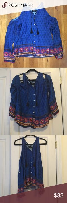 """NWT Minkpink Cold Shoulder Tassel Top Re-poshing this brand new with tags top, it's in perfect condition and fits true to size, it just wasn't """"me""""! Shoulder cut outs, tassels, and cute print. MINKPINK Tops Blouses"""