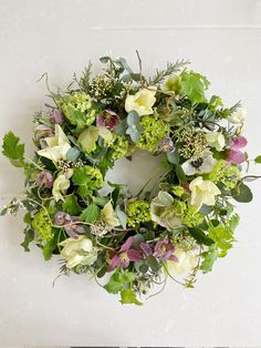 A Spring Wreath Tutorial by - Just A Little Build Spring Door Wreaths, Easter Wreaths, Summer Wreath, Wreaths For Front Door, Christmas Wreaths, Dried Flower Bouquet, Funeral Flowers, Wreath Tutorial, Diy Door