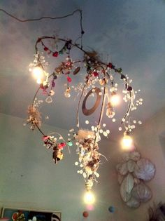 love this light Chandelier Bougie, Wire Chandelier, Chandeliers, Mood Light, Light Up, Boho Lighting, Lighting Design, Shapes And Curves, I Love Lamp