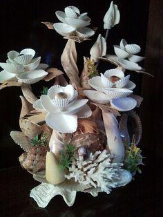 Без названия — Поделки из ракушек своими руками. Поделки из... Oyster Shells, Sea Shells, Shell Decorations, Couture Skirts, Flowers, Plants, Manualidades, Seashells, Shells