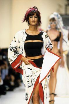 Chanel Spring 1994 Ready-to-Wear Fashion Show - Yasmeen Ghauri
