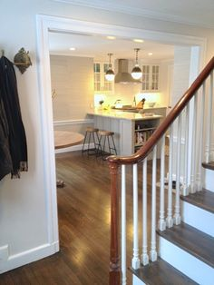 Erin Gates' Elements of Style Kitchen in a Traditional Home Kitchen On A Budget, Diy Kitchen, Kitchen Ideas, Refacing Kitchen Cabinets, Diy Cabinets, Cabin Kitchens, Cool Kitchens, Dream Kitchens, Hardwood Floor Colors
