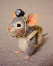 Needle felted mouse explorer