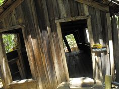 A Must-See Visit: Oregon Vortex House | #AlamoHappyPlace