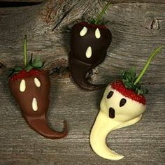 Chocolate covered strawberries!!!  Perfect for any Halloween Party!